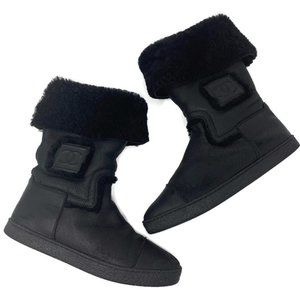 Chanel Black Shearling Flat Boots Size 39